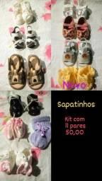 Título do anúncio: Roupinhas e sapatos para bebês. 0-6 meses.