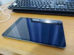 Título do anúncio: Ipad Mini 2 (tela com listras) + acessórios