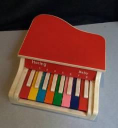 Título do anúncio: Antigo Piano Infantil Hering Plc-8 Anos 80 - Leia Anúncio