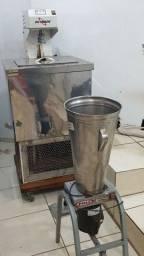Título do anúncio: Máquina de fazer sorvete e liquidificador industrial