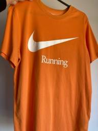 Título do anúncio: Camiseta Nike tamanho M