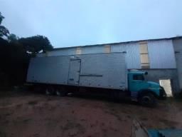 Título do anúncio: Vendo bau de caminhão 1513 ou troco por carroceria aberta