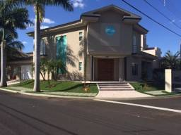 Título do anúncio: Casa de condomínio para venda com 320 metros quadrados com 4 quartos