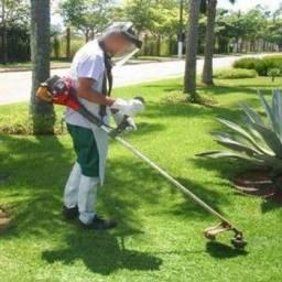 Título do anúncio: Precisa-se de Jardineiro Com Experiência