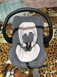Bebê conforto e ninho de menina em ótimo estado sem avarias