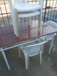 Título do anúncio: Mesa com conjunto de cadeiras