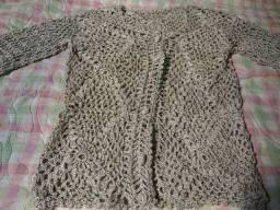 Casaquinho de crochê Novo ( porém guardado )