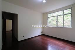 Apartamento com 2 dormitórios para alugar, 52 m² por R$ 1.000,00/mês - Tijuca - Teresópoli