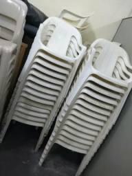 Cadeiras plastica