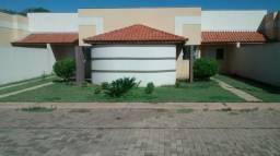 Alugo Casa com Suite Condomínio Fechado em Três Lagoas / MS - 3 quartos