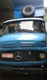 Caminhão caçamba Mercedes 1113