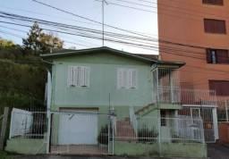 Casa com 3 dormitórios + garagem no Bairro Rio Branco