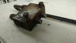 Válvula ante queda cilindro estabilizador retroescavadeira JCB 4CX p/n 25/994800