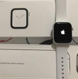 Apple Watch série 4 branco-40
