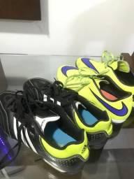 Vendendo chuteira Nike e adidas 11 pro society tamanho 40
