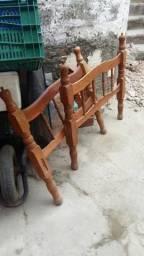 Cama solteiro madeira só 50 reais