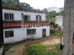 Casa com 3/4 quintal amplo / Bairro Adolfo Vireque