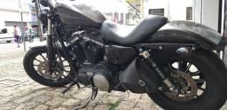 Harley Davidson 883 iron 2015 baixo km. - 2015
