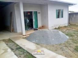Casa com 03 quartos no Itinga