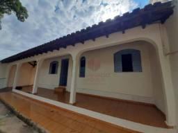 Casa com 3 dormitórios para alugar, 70 m² por R$ 850,00/mês - Borba Gato - Maringá/PR