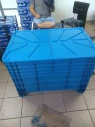 5 Caixas Plásticas 372 litros com Tampa