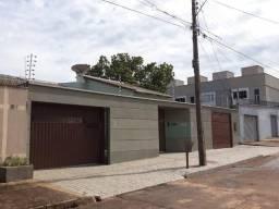 Casa 5/4 alto padrão com 3 suítes em localização privilegiada e excelente preço