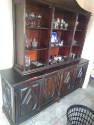 Armário e mesa antigo