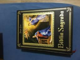 Bíblia católica edição luxo poucas feitas