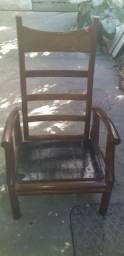 Cadeira Antiga de Madeira Maciça