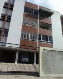 Título do anúncio: Apartamento para venda possui 108 metros quadrados com 4 quartos em Campo Grande - Recife