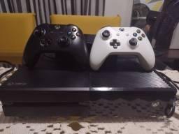 Título do anúncio: Xbox One 500g com dois controles