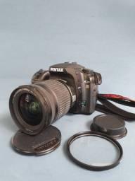 Título do anúncio: Câmera Pentax k20 Lente pentax smc 16-45