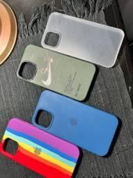 Título do anúncio: Vendo 8 cases  juntas iPhone 12 Pro Max