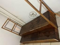 Deck de madeira com degrau