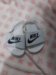 Título do anúncio: Chinelo da Nike infantil