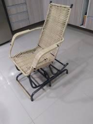 Título do anúncio: 01 (uma) Cadeira de Balanço Com Mola Pequena