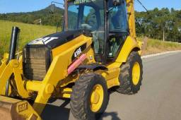 Retroescavadeira Caterpillar 416E 2013