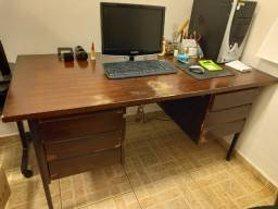 Título do anúncio: Mesa Escritório madeira com 6 gavetas