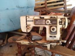 Máquina de Costura *Preço negociável