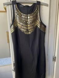 Vestido Preto com detalhes dourados- Tam M