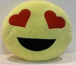 Título do anúncio: almofada emoji apaixonado