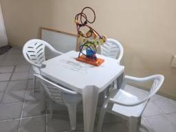 Título do anúncio: Mesa e cadeiras infantil