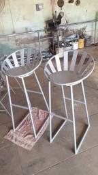 Cadeiras de 90 centímetros de altura
