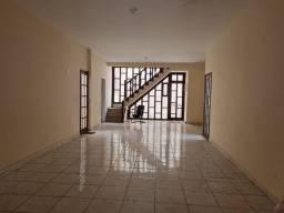 Título do anúncio: Casa para aluguel e venda tem 206 metros quadrados com 7 quartos em Centro - Macaé - RJ