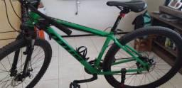 Título do anúncio: Vendo bicicleta Aro 29 Lotus cor verde 2.400