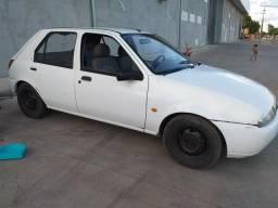 Vendo troco carro pra sai da pernada 2.500//vendo sapato 25 reais