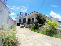 Oportunidade de Aluguel- Casa com 4/4 sendo 3 suítes com mais de 450m2 - Farol