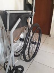 Doa-se cadeira de rodas