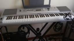 Teclado Yamaha Portable Gran Piano