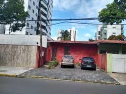 LM vende casa para empresa ou comércio com 6 salas e uma grande área coberta tipo galpão
